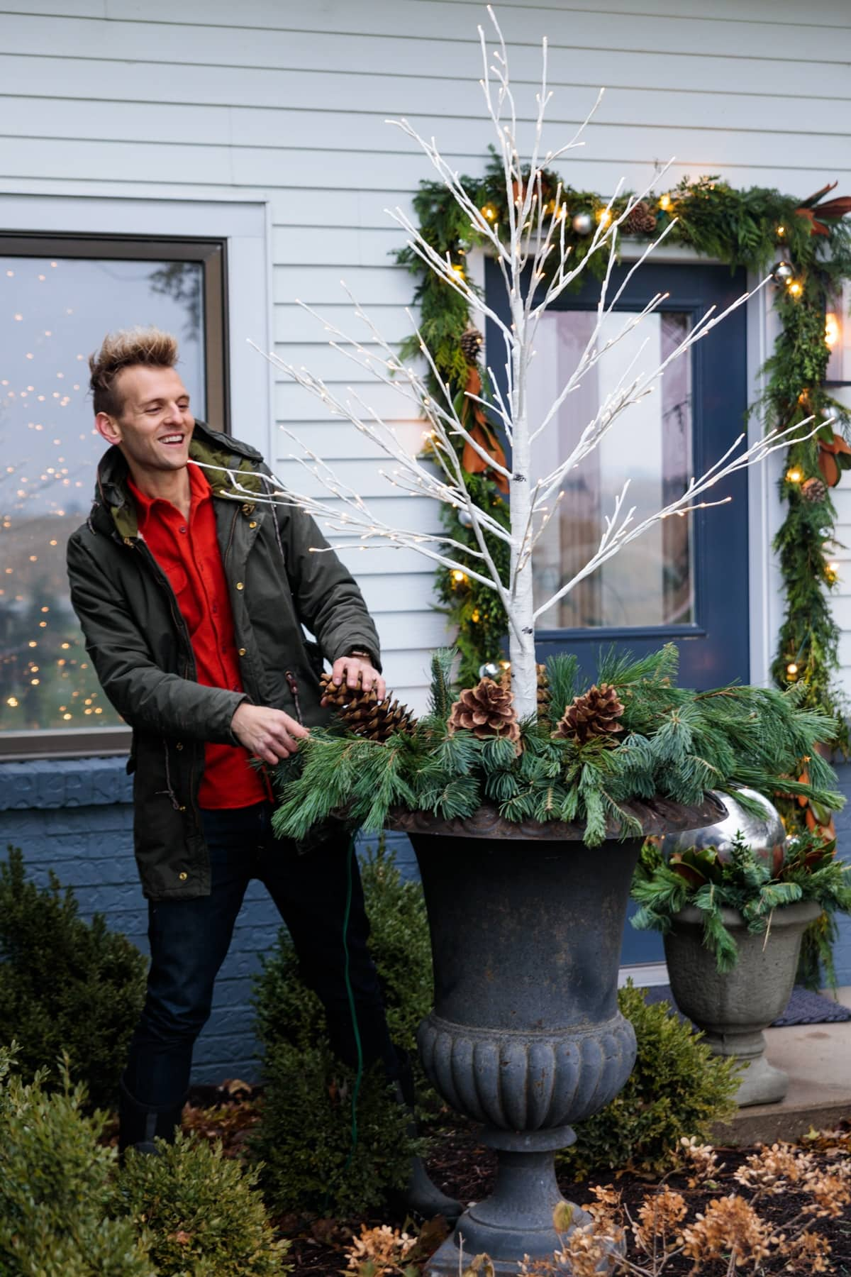 Outdoor Christmas Decor This Year | Wyse Guide